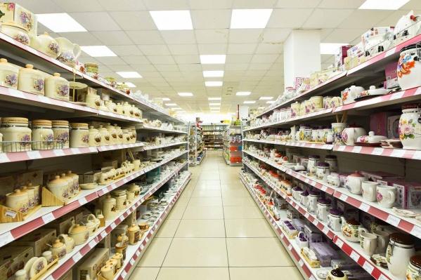 Люди со всех районов Омска приезжают в магазин, чтобы найти очень низкие цены и сделать нужные покупки