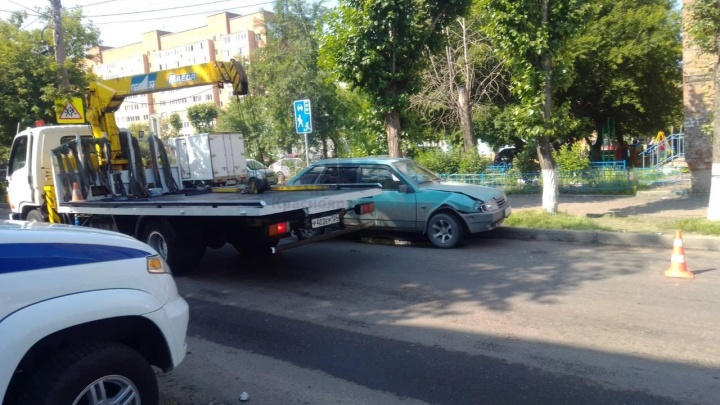 «Пил пиво во время оформления»: пьяный на ВАЗе устроил ДТП с тремя авто