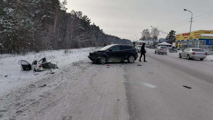 Выехал на встречку: в аварии под Новосибирском погиб водитель «Хонды»