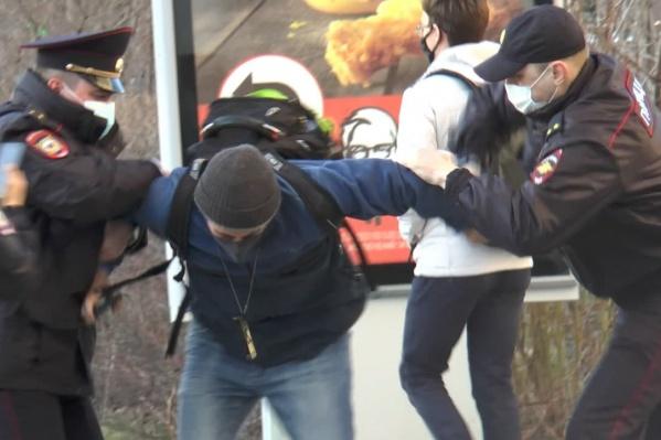 Татьяна Мерзлякова считает, что в последнее время на протестных акциях полиция часто проявляет жестокость и необоснованно задерживает людей