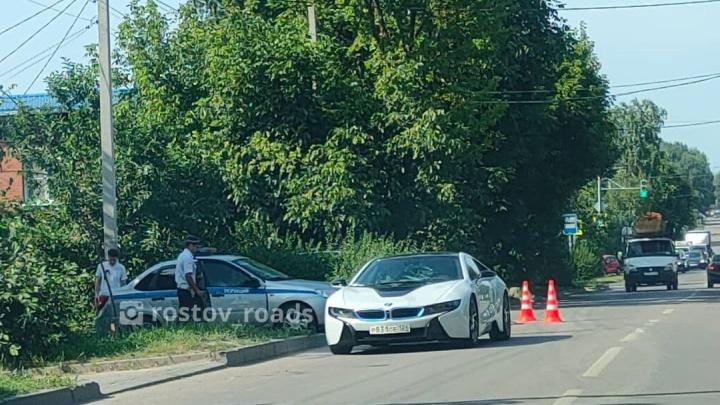 В Ростове электрокар BMW за 10 миллионов сбил пенсионера на велосипеде