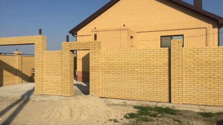 В Ростове полковник полиции решил отремонтировать дом за счет зама. Теперь ему грозит переезд в колонию