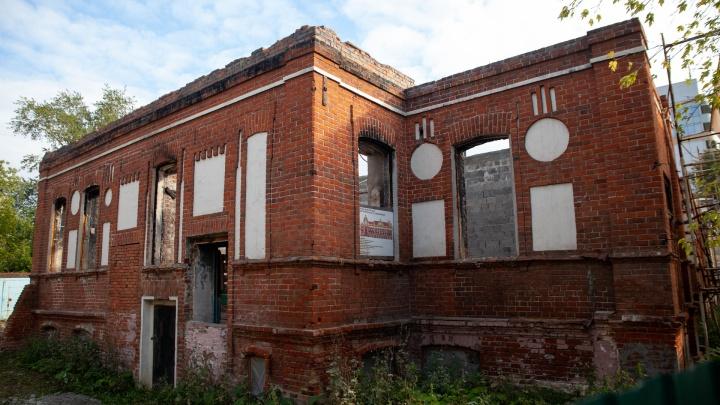 Несколько лет назад в Тюмени сгорел дом купца Жернакова. Что с недвижимостью сейчас?