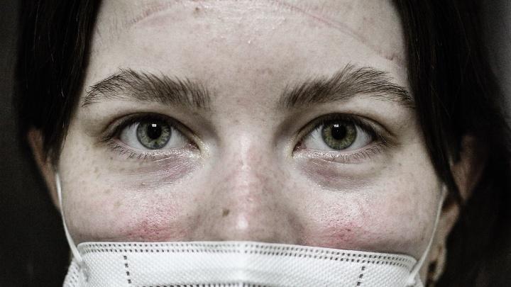 «Год не видела маму»: глаза медиков из «красной» зоны