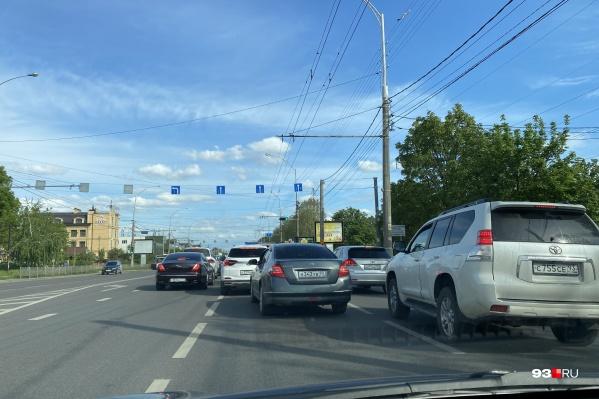 Общая загруженность дорог в Краснодаре сейчас составляет 3 балла