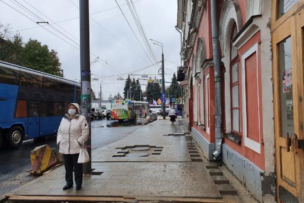 На Комсомольской улице поставят навес