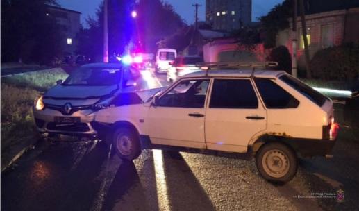 В Волгограде пьяный водитель устроил аварию с пострадавшими