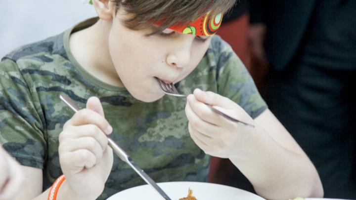 Почему детям не нравится школьная еда: пять вопросов к тем, кто ее готовит