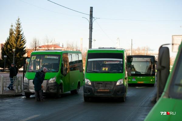 Депутат недоволен, что маршрутки создают пробки в городе