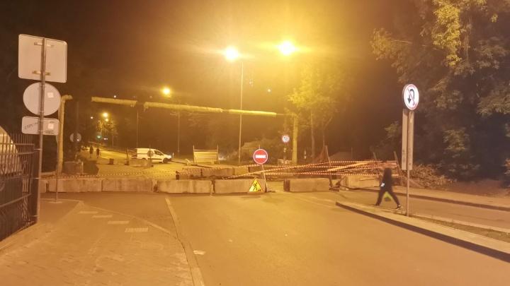 В Екатеринбурге улицу Гражданскую перекрыли на неделю из-за ремонта