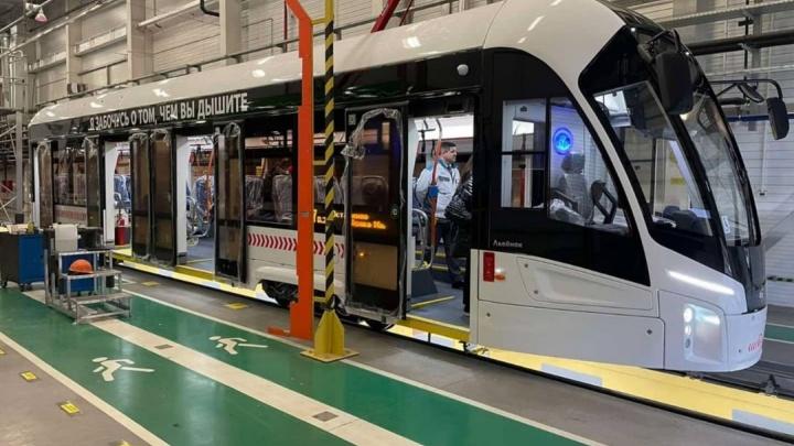 Мэр показал трамваи с итальянским интерьером перед отправкой в Красноярск