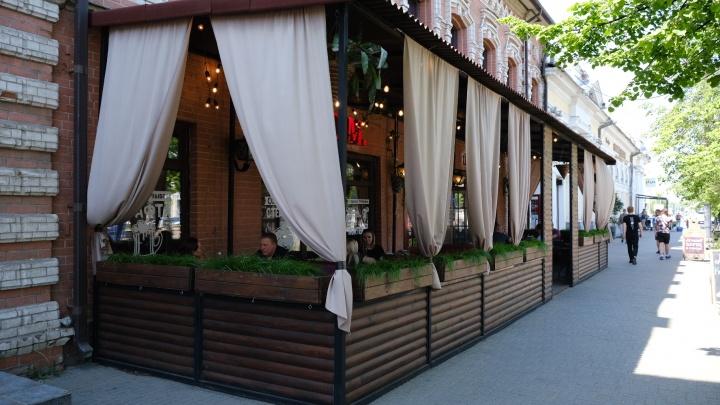 Челябинские рестораны и кафе открыли летние веранды. Мы составили список с телефонами и адресами