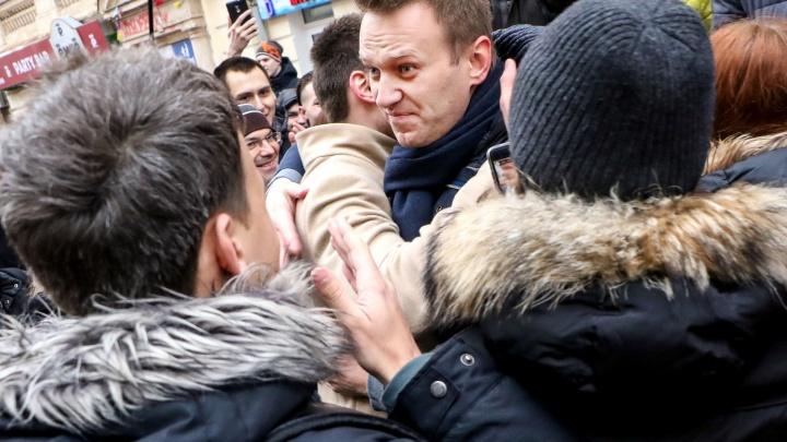 «В ХМАО ничего не будет»: силовики побеседовали с возможными участниками протестов в поддержку Навального