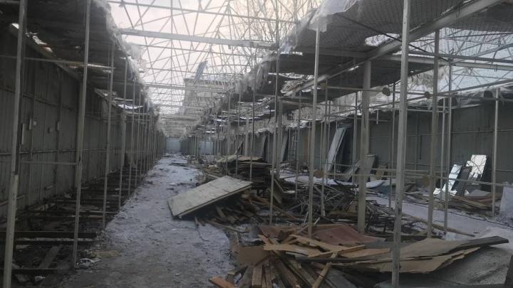«Бабки сидели до последнего»: владелец торговых рядов напротив Центрального рынка назвал дату сноса