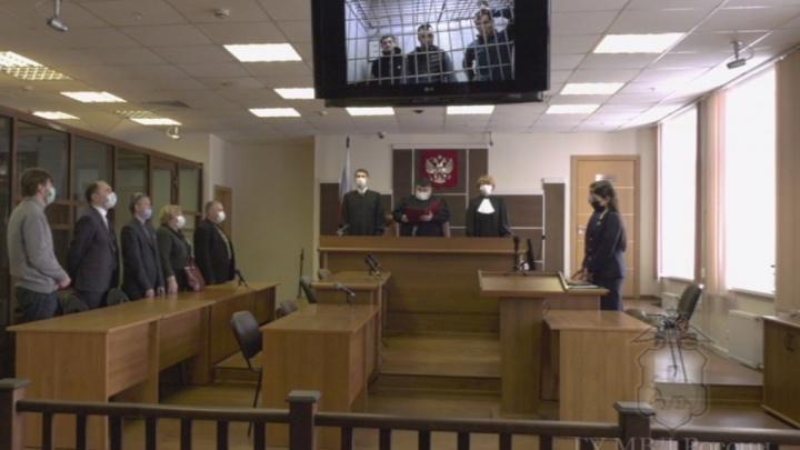 Суд приговорил к колонии преступников, вымогавших у пермяка миллион рублей. Получив часть денег, они сняли квартиру, где изнасиловали девушку