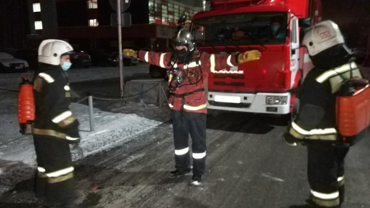 У хозяина квартиры ожоги 45% тела: в жилом доме в Екатеринбурге произошел взрыв