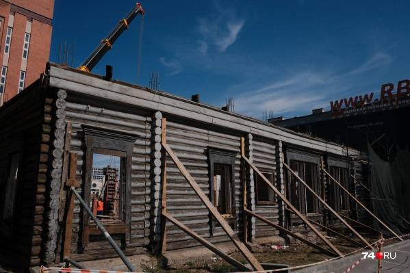 """Дом Агапова <nobr class=""""_"""">на Цвиллинга, 16</nobr> построили в самом начале <nobr class=""""_"""">XX века</nobr>"""