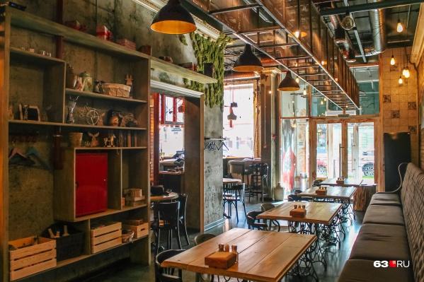 Ресторанам и кафе придется в числе первых получить ковид-паспорта