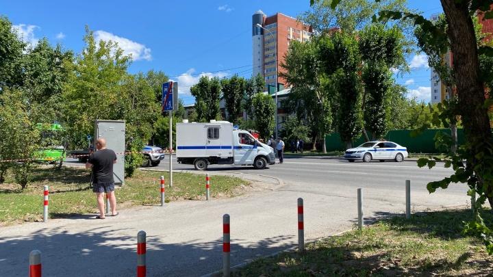Следователи возбудили дело, а представители Бондарчука отреагировали на захват банка в Тюмени. Онлайн