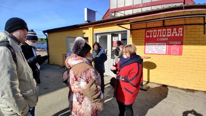 Все, кто хотел, — вышли работать: в Волгограде торговцев пустили в выгоревший павильон Качинского рынка