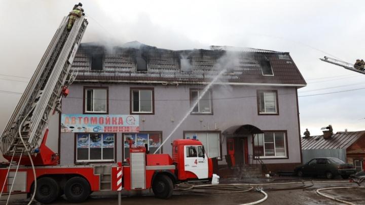 Владельца нелегального хостела на Промышленности будут судить за гибель мигрантов в пожаре