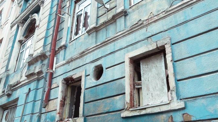 Где ночевали цари, теперь — бомжи: что происходит на руинах туберкулезной лечебницы Ростова