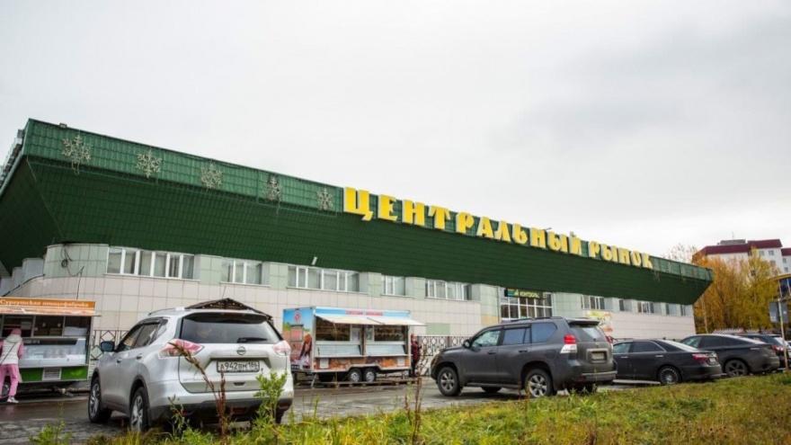 С вещами на выход: в Сургуте планируют масштабную реконструкцию городского рынка на Островского