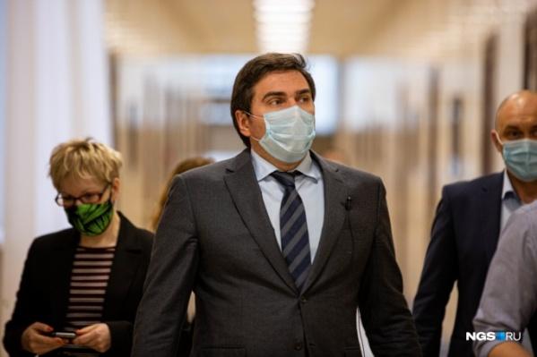 Константин Хальзов попросил не делать выводов из его отказа говорить о собственной вакцинации
