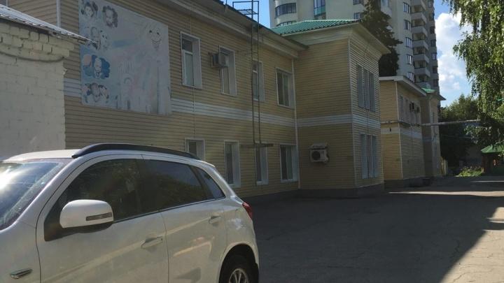 «Выронила малыша из коляски»: в Самаре осудили экс-воспитателя дома малютки