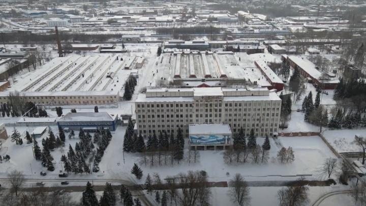 «Ни машин, ни людей не видно»: блогер показал масштабы самарского завода «Металлист»