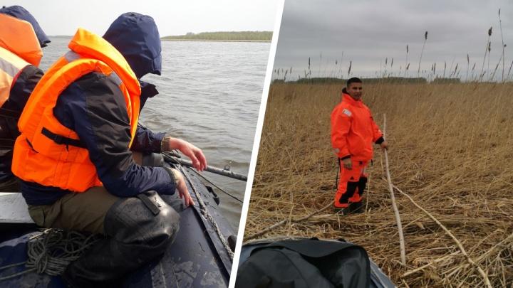 Спасатели достали из озера в Новосибирской области тело рыбака: его искали три дня