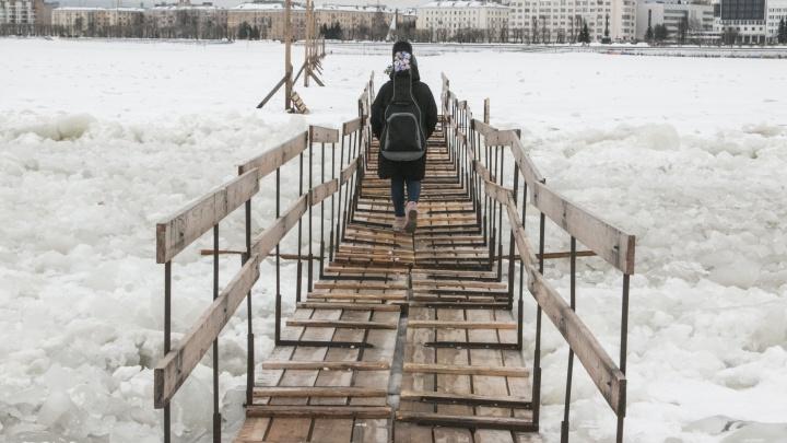 В Архангельске предложили изменить маршрут переправы на Кегостров из-за подтоплений