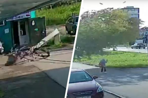 Из-за сильного ветра в Чусовом рухнули опора ЛЭП и дерево