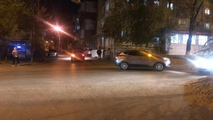 Шли с мамой: в Самаре в ДТП с кроссовером пострадали двое детей