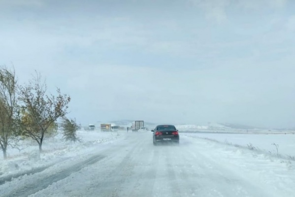 Уйский и Верхнеуральский районы засыпало снегом