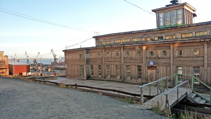 Историческое здание речного вокзала в Дудинке решили перенести на центральную площадь