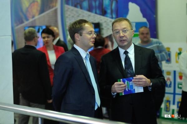 Ранее отец депутата, предприниматель Игорь Ковпак (на фото справа), расценил происшествие как кампанию против сына