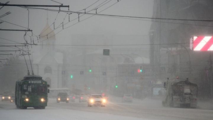 «Будем думать, как понудить мэрию»: прокуратура заявила, что Новосибирску надо 4,5 миллиарда на технику для уборки снега