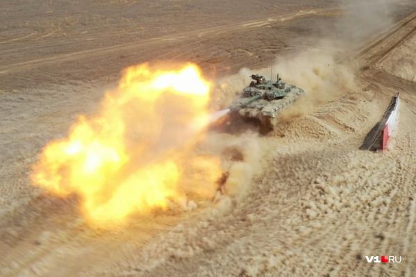 Военные наконец покажут волгоградцам нашумевший «танковый вальс»