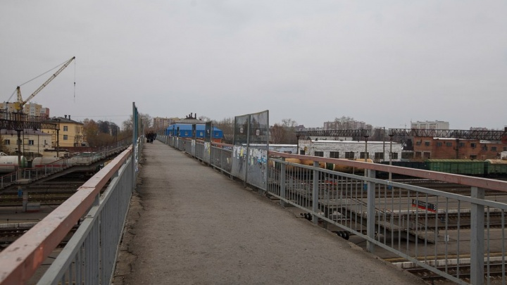 Поезд насмерть сбил ребенка под Заводоуковском