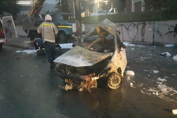 Очевидец рассказал, что машина загорелась мгновенно