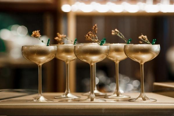 Наступающие праздники — прекрасный повод попробовать уральскую кухню в одном из лучших ресторанов Екатеринбурга