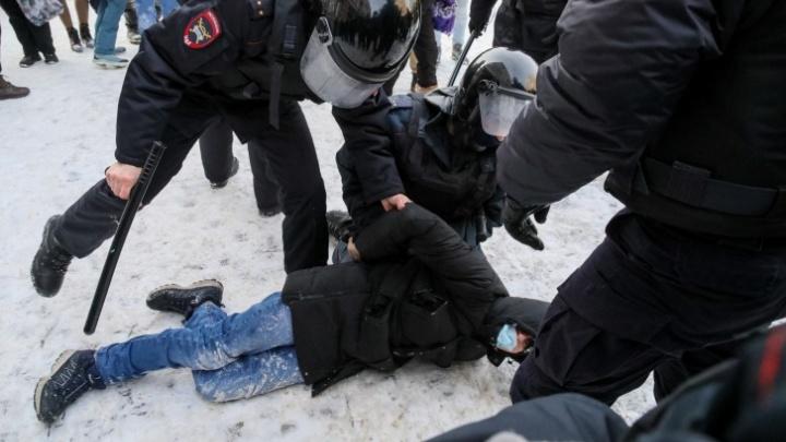 В Красноярске возбудили три уголовных дела после субботней акции 23января