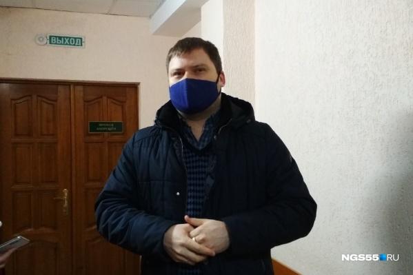 Адвокат Станислав Шебалин заявил, что, пока следствие не смягчит меру пресечения Ирине Солдатовой, на ее возвращение в Россию рассчитывать не стоит
