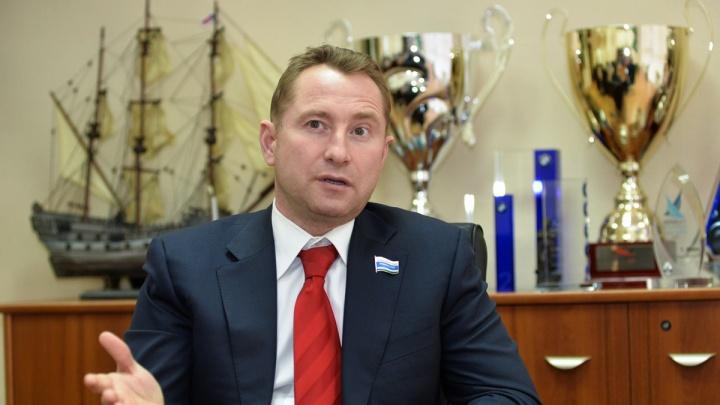 Уральскому депутату запретили выезд за границу из-за полумиллионного долга по алиментам