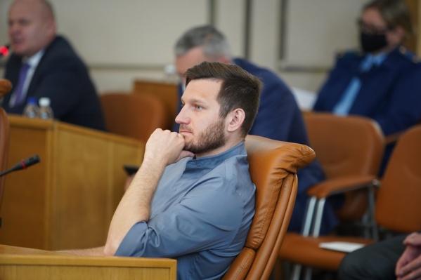 Николай Олюнин,депутат горсовета от Кировского района
