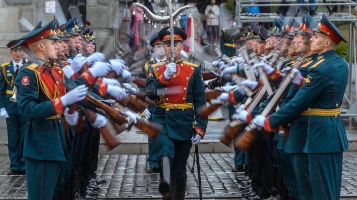 Оператор Триколор 9 мая покажет праздничный эфир на телеканале «День Победы»