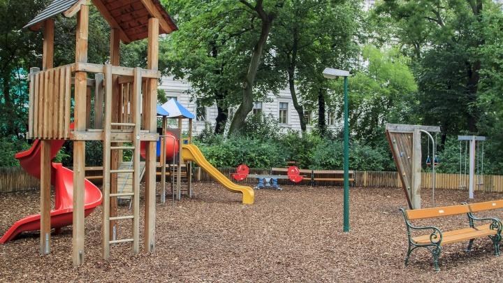 В Перми детскую спортплощадку перенесли из охранной зоны теплосети «Т Плюс»