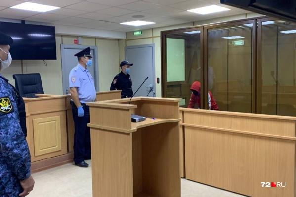 Виталия Бережного, которого обвиняют в убийстве 8-летней Насти Муравьевой, заключили под стражу. Его отправили в СИЗО на 2 месяца