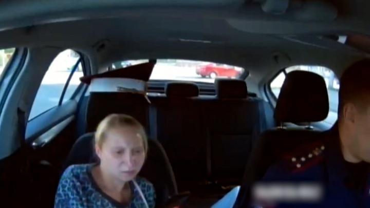 В Челябинске инспекторы ГИБДД довезли до больницы женщину, начавшую рожать в маршрутке